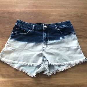 shorts-label says 10 but looks more like a 6